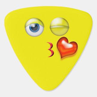 Brennen Sie einen Kuss Emoji durch Plektrum