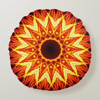 Brennende Stern-Mandala Rundes Kissen