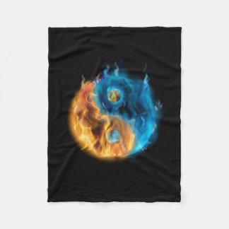 Brennende Yin Yang kleine Fleece-Decke Fleecedecke