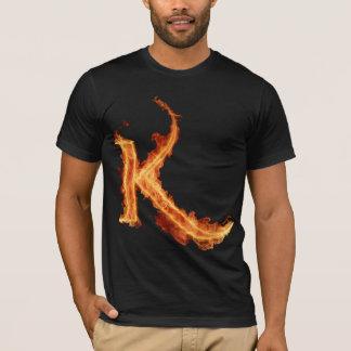 Brennendes Alpha-T-Stück - K T-Shirt