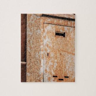 Briefkasten rostig draußen puzzle