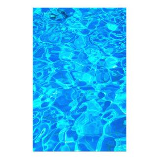 Briefpapier Hintergrund des blauen Wassers