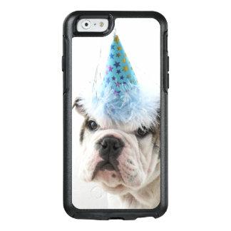 Britischer Bulldoggen-Welpe, der einen Party-Hut OtterBox iPhone 6/6s Hülle