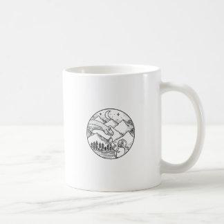 Brontosaurus-Astronauten-Gebirgskreis-Tätowierung Kaffeetasse