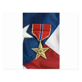 Bronzestern auf amerikanischer Flagge Postkarte