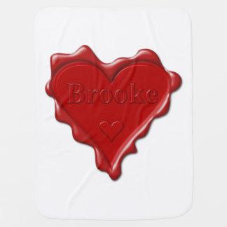 Brooke. Rotes Herzwachs-Siegel mit NamensBrooke Babydecke