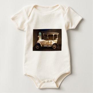 brooke-swan-car-76713.jpg baby strampler