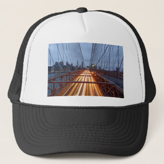 Brooklyn Bridge am Abend Truckerkappe