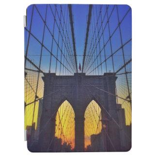Brooklyn-Brücke am Sonnenuntergang iPad Air Hülle