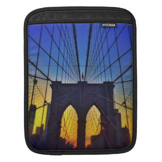 Brooklyn-Brücke am Sonnenuntergang iPad Sleeve