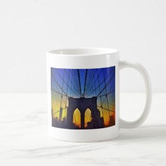 Brooklyn-Brücke am Sonnenuntergang Kaffeetasse