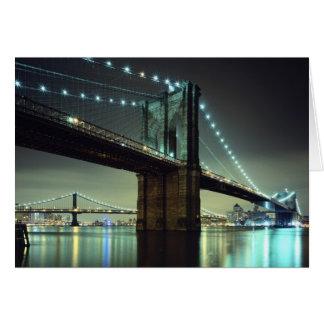 Brooklyn-Brücke an Nachtmanhattan-Brücke Grußkarte