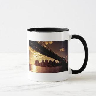 Brooklyn-Brücke mit New- York Citywolkenkratzern Tasse