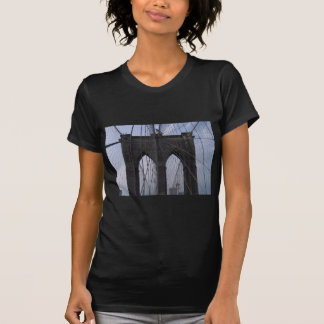 Brooklyn-Brücken-Kabel T-Shirt