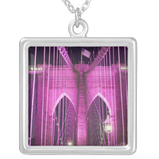 Brooklyn-Brücken-Lit lila Versilberte Kette