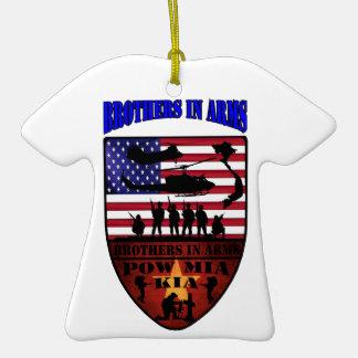 brothers is arms keramik T-Shirt-Ornament