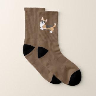 Brown-Wolljacken-WaliserCorgi in der Verkleidung Socken