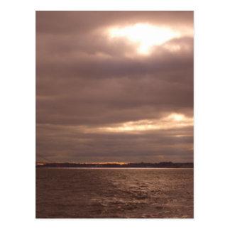 Bruch in den Wolken, Ströme von hellem Postkarte