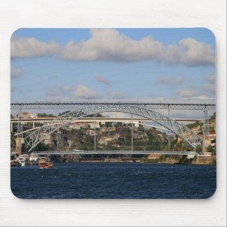 Brücke Dom Luis I, Porto, Portugal Mousepad