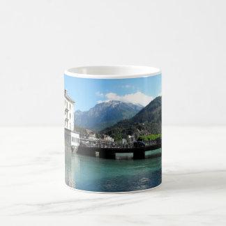 Brücke in Interlaken in der Schweiz Kaffeetasse