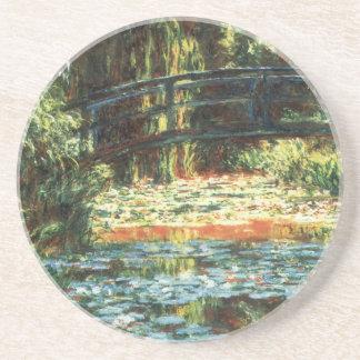 Brücke über dem Wasserlilie-Teich durch Claude Sandstein Untersetzer