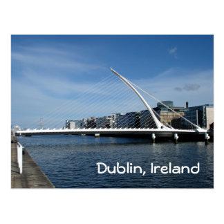 Brücke über Dublin-Fluss Postkarte