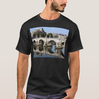 Brücke von Castel St. Angelo, Rom, Italien T-Shirt