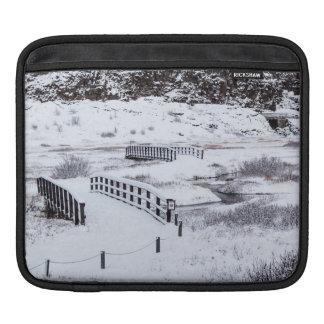 Brücken in Thingvellir Nationalpark Island Sleeve Für iPads