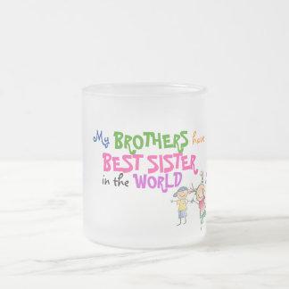 Brüder haben beste Schwester-Tasse Matte Glastasse