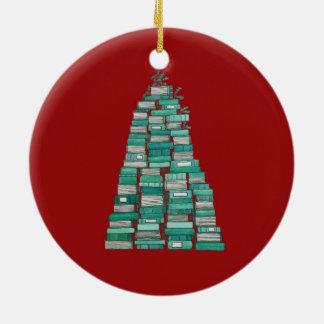 Buch-Baum-Verzierung: Roter Hintergrund Rundes Keramik Ornament