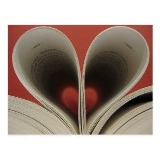 Buch der Herz-Postkarte Postkarte