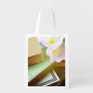 Bücher und Blumen Wiederverwendbare Einkaufstasche
