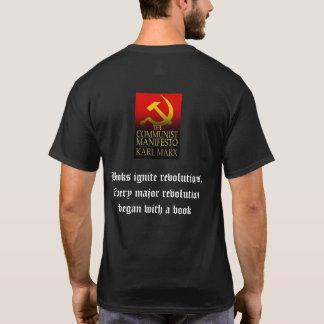 Bücher zünden Revolutions-T - Shirt an