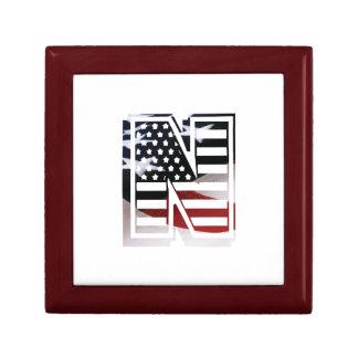 Buchstabe- Nmonogramm-Initiale patriotische Erinnerungskiste