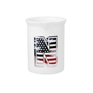 Buchstabe- Nmonogramm-Initiale patriotische Getränke Pitcher
