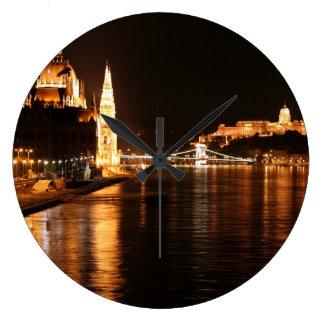 Budapest nachts große wanduhr