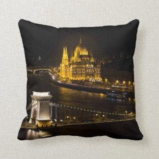Budapest nachts kissen