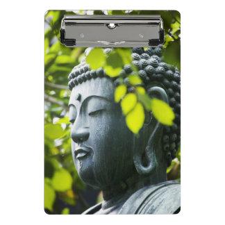 Buddha im Senso-ji Tempel-Garten Mini Klemmbrett