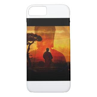 Buddha mit Sonnenuntergang-Hintergrund iPhone 8/7 Hülle