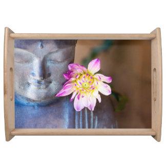Buddha und rosa Dahlie-Serviertablett Serviertablett