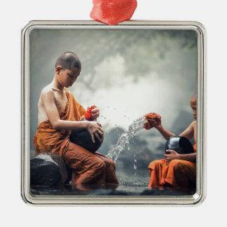 Buddhistische Mönch-Reinigungs-Schüsseln Quadratisches Silberfarbenes Ornament