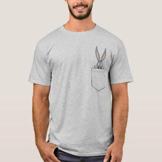 BUGS BUNNY ™, das aus Tasche heraus späht T-Shirt