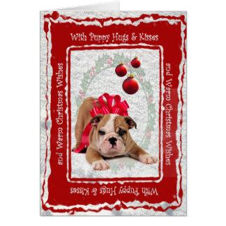 Bulldoggen-Welpe umarmt u. küsst kundengerechtes Karte