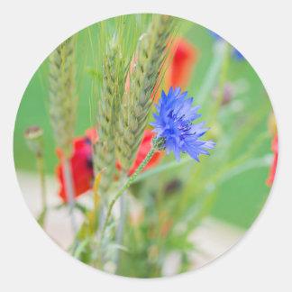 Bündel von rote Mohnblumen, Cornflowers und Ohren Runder Aufkleber