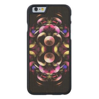 Bunte abstrakte Fraktal-Kunst Carved® iPhone 6 Hülle Ahorn
