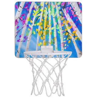 Bunte Bäume mit dem NeonBlätter-Malen Mini Basketball Ring