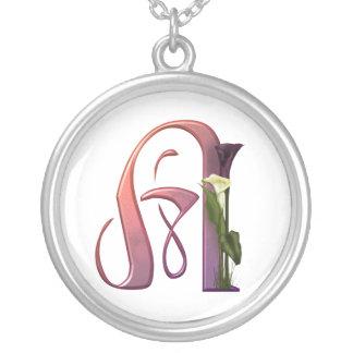 Bunte Calla-Initiale A Halskette Mit Rundem Anhänger