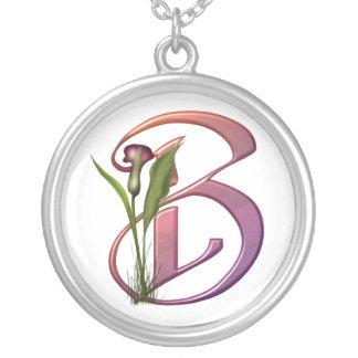 Bunte Calla-Initiale B Halskette Mit Rundem Anhänger