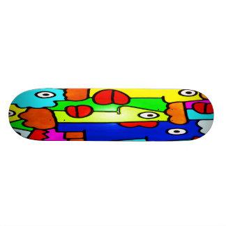 Bunte Cartoon-Gesichter mit den fetten roten Lippe Personalisiertes Skateboarddeck