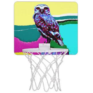 Bunte Eule auf einem Posten Posterization Mini Basketball Netz
